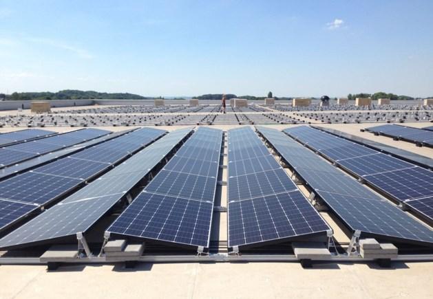 Zonnepanelen voor energieneutraal Maastricht Aachen Airport